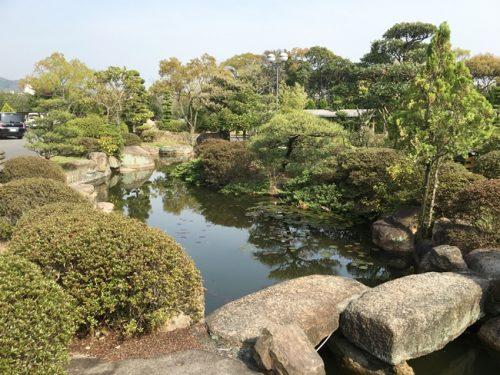 校内の日本庭園